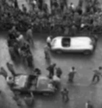 La punzonatura delle auto alla XIX Mille Miglia
