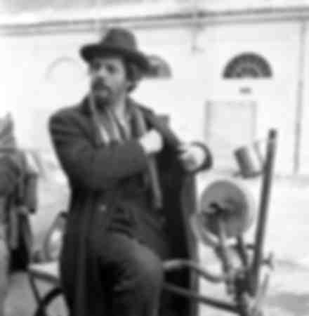 """Mastroianni sur le tournage du film """"Les compagnons"""""""