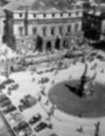 Piazza della Scala i Milano 1945