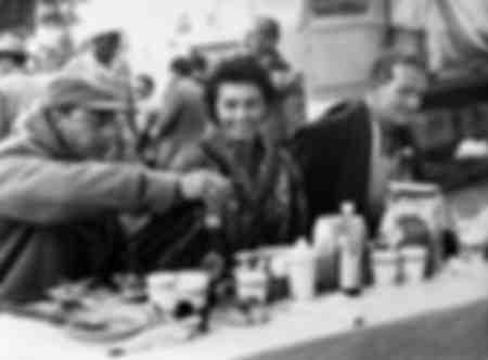 "Sophia Loren et John Wayne ""Tombouctou"""