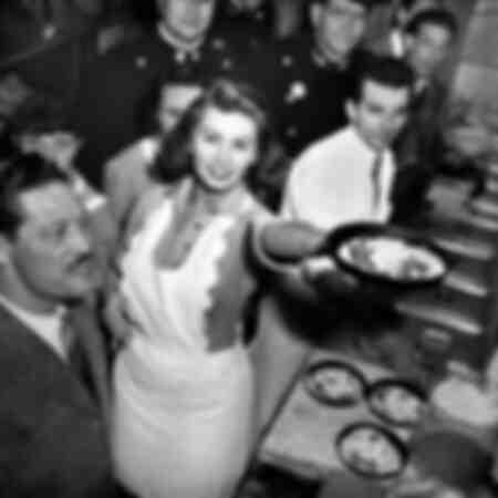 Sophia Loren prepara la pizza