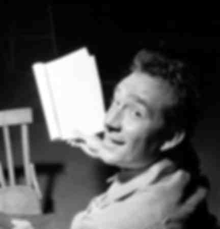 Ugo Tognazzi during rehearsals at the Manzoni Theater