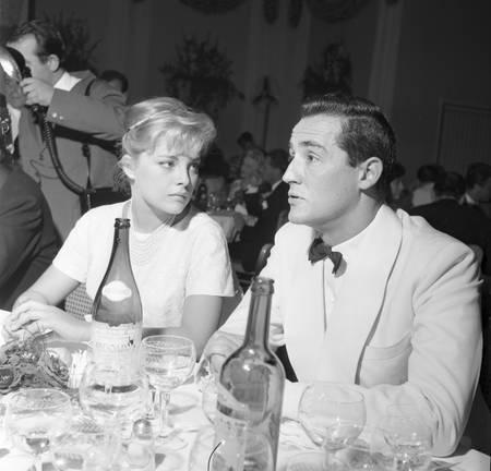 Virna Lisi Und Vittorio Gassman An Der Grolle D Oro Bild Kaufen Verkaufen
