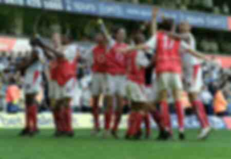 Arsenal Players celebrates winning the Championship title