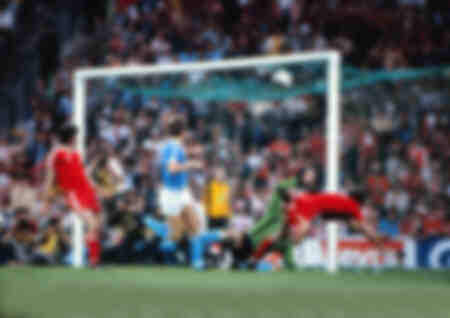 Euro Cup Final 1979 - Trevor Francis scores the winning goal for Nottingham Forest