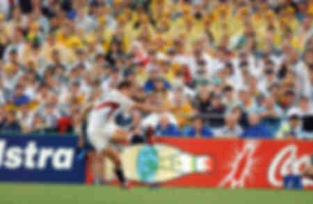 Jonny Wilkinson strikes a kick