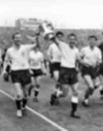 Tottenham wins the FA Cup 1962