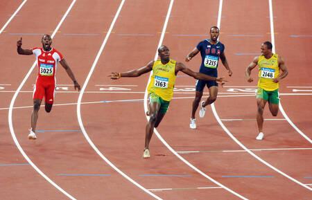 Usain Bolt remporte la finale du 100 m