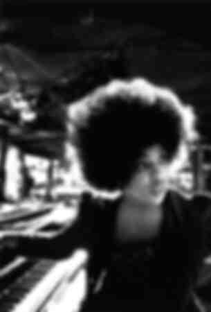 Roberta Flack al pianoforte