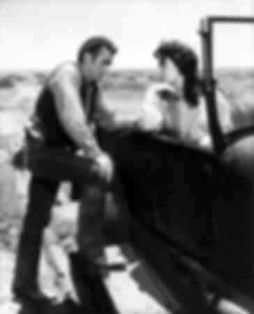 Geant -James Dean and Elizabeth Taylor