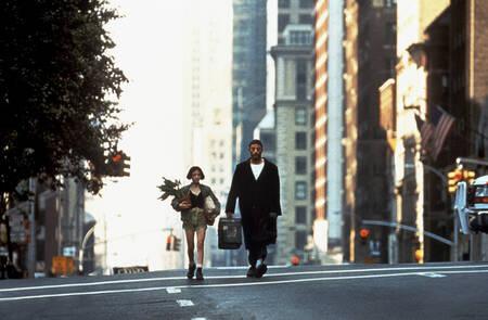 Mathilda suit Léon dans la rue de New York