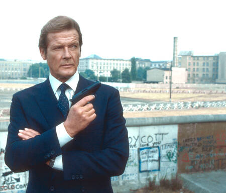Roger Moore - Octopussy - 1983