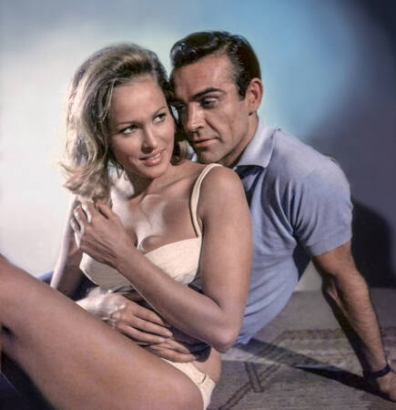 Sean Connery et Ursula Andress