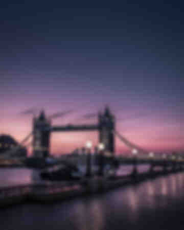 London - Tower Bridge ganska stämning