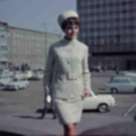 DDR-kostymfoto för kvinnamode runt 1970