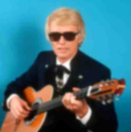 Heino with guitar