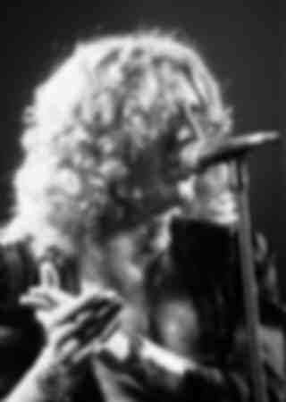 Led Zeppelin In Conc 1977
