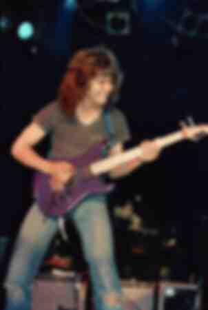 Eddie Van Halen at the Roxy April 29 1982 this was a special gig that he did with Allan Holdsworth