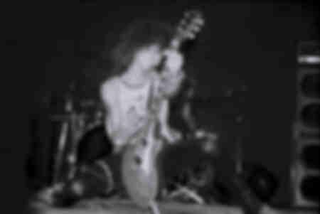 Guns N Roses Slash Paradise City wurde am 10. Oktober 1985 zum ersten Mal live im Troubadour aufgeführt
