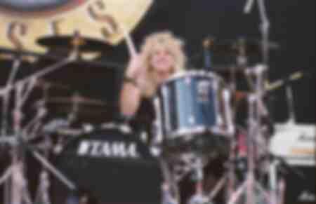 Guns N Roses Steven Adler en el Giants Stadium Paradise City video fue filmado el 16 de agosto de 1988