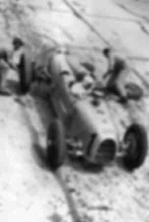 Tire change at the Nürburgring Grand Prix in 1934