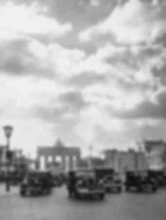Unter den Linden in Berlin 1936