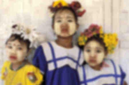 Les trois petites fleurs