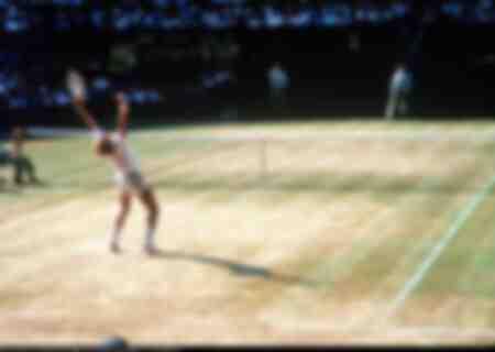 Boris Becker hejar på Wimbledon-mittbanan