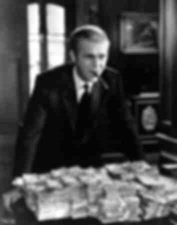Der Amerikaner Steve McQueen in dem Film Thomas Crown ist nicht zu fassen von 1967