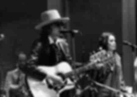 The singer Bob Dylan together with Ronee Blakely