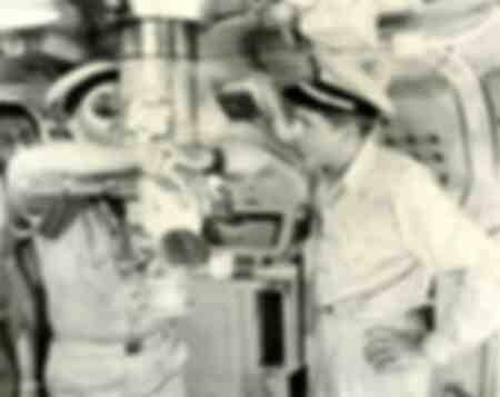 L'acteur Cary Grant dans une scène de l'opération Pettycoat