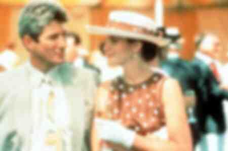 De rijke speculant Edward Richard Gere huurt de mooie callgirl in de film Pretty Woman