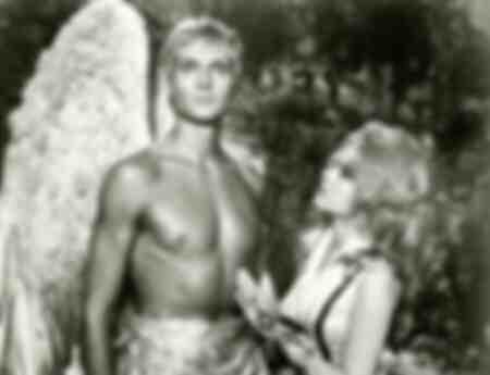 Les acteurs Jane Fonda et John Phillip Law dans une scène du film Barbarella