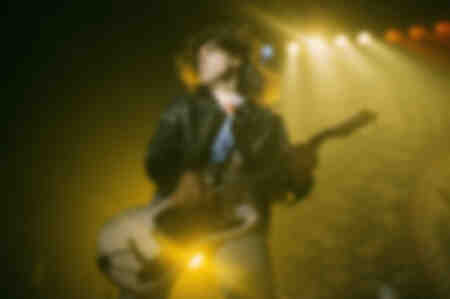 Johnny Ramone de los Ramones en vivo en SuperBang 93 en el Eilenriedenhalle