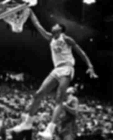 Kareem Abdul Jabbar vid en slam dunk