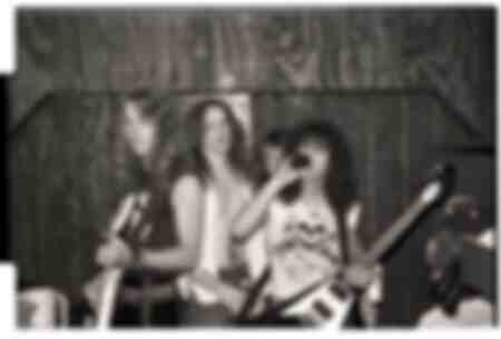 I Metallica nel backstage dei Mickeys a Milwaukee