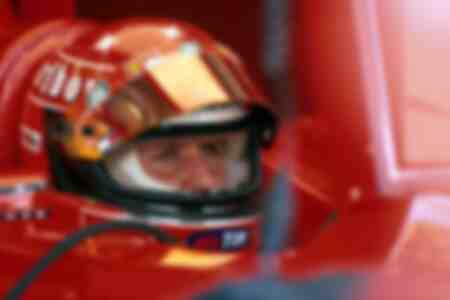 Michael Schumacher von Ferrari im Cockpit seines Boliden