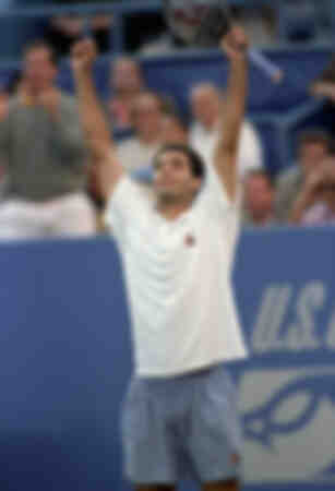 Pete Sampras celebra il suo trionfo agli US Open Tennis Championship a Flushing Meadows di New York
