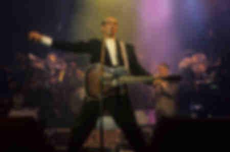 Pete Townshend bij een White City Tour-concert in Brixton Academy London