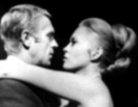 Steve McQueen en Faye Dunaway in de film The Thomas Crown Affair