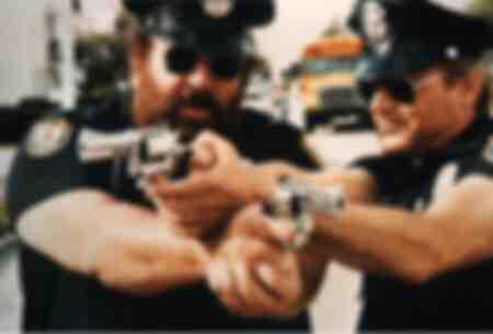 Scena dal film The Miami Super Cops