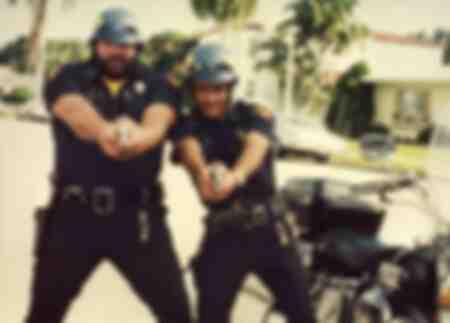 Scena del film del 1976 Two Out of Control