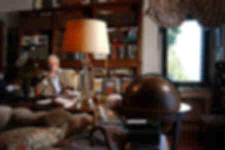 Gore Vidal nel suo studio 7 agosto 2004