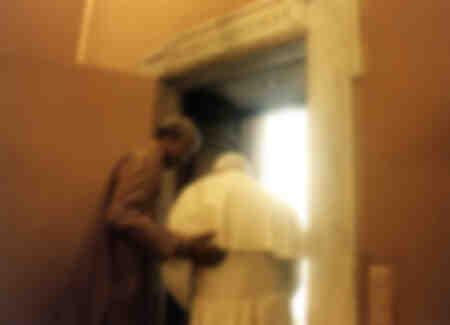 Le président Nelson Mandela embrasse le pape Jean-Paul II