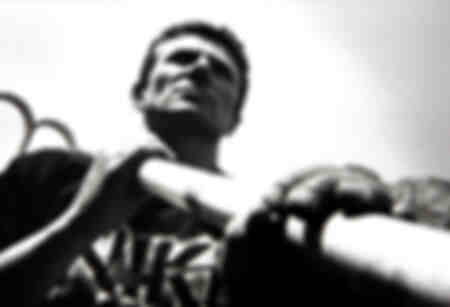 Sergej Bubka si allena allo stadio di Montecarlo 2000